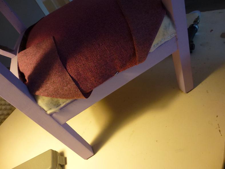 Stoel opnieuw bekleden met meubelstof - Doe de toegangsgalerij opnieuw ...