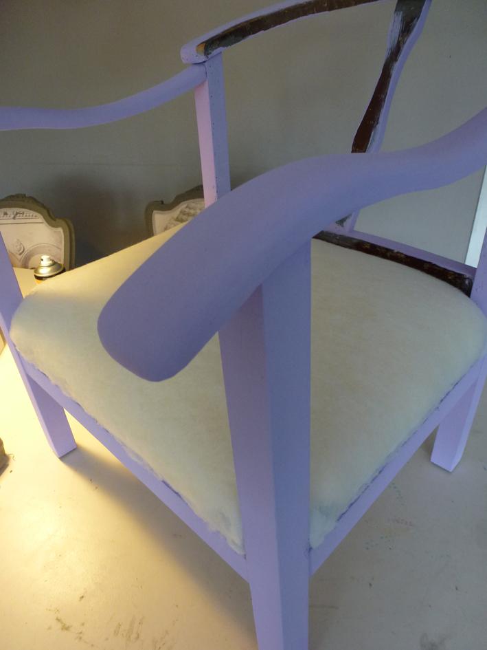 Een eetkamerstoel met vaste zitting stofferen