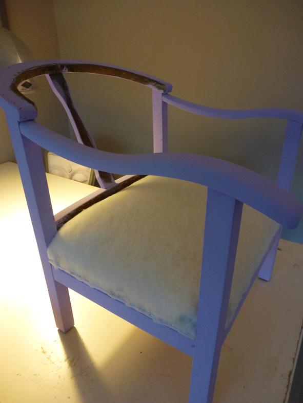 Stoel opnieuw bekleden met meubelstof for Stof om stoel te bekleden