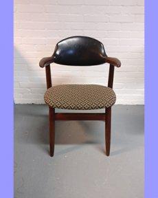 Houten jaren '60 stoeltje opnieuw bekleed