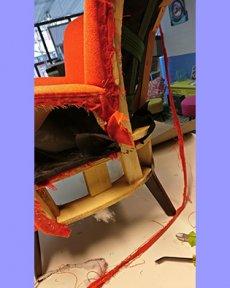 Slordig afgewerkte binnenkant stoel